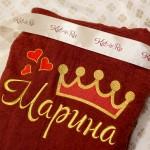 Вышивка золотом имени и короны на махровом бордовом халате